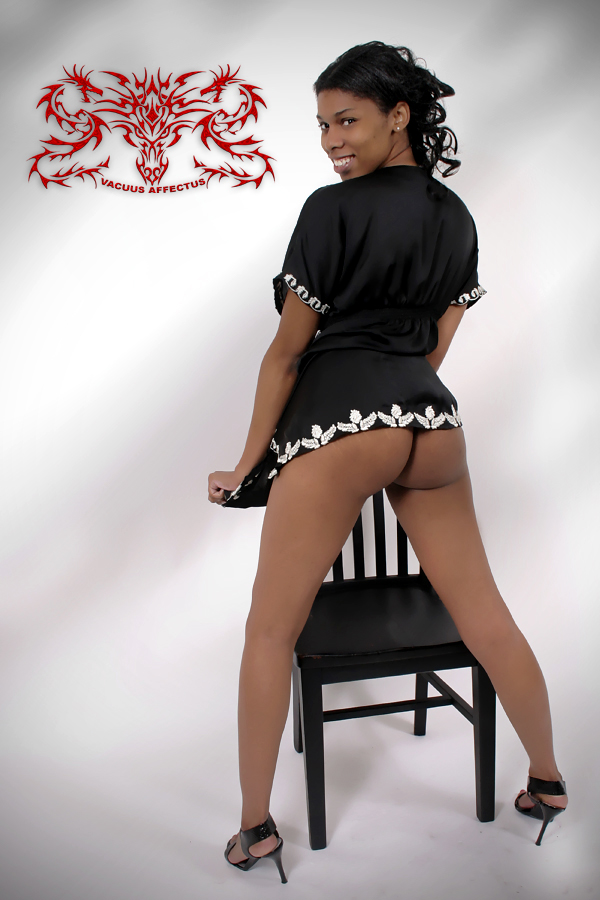 Female model photo shoot of Kay_Perfection in Memphis Tennessee