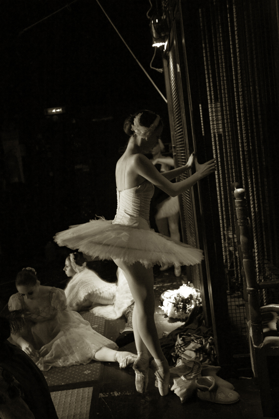 Sep 02, 2009 Lucy Davenport Backstage at Ballet