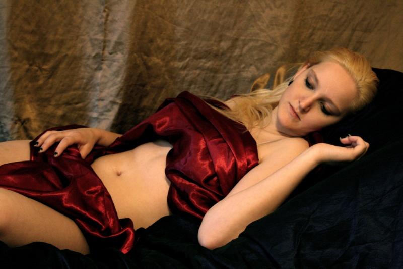 Female model photo shoot of Kaotic Kryssi