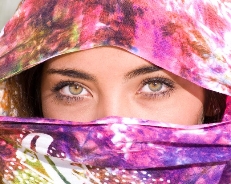 http://photos.modelmayhem.com/photos/090907/13/4aa5740e4ee55.jpg