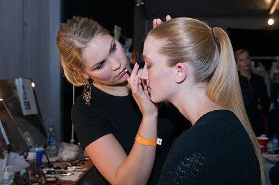 Female model photo shoot of Laura Schmidt