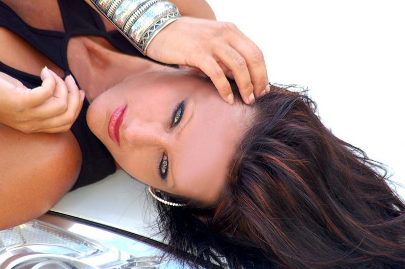 Female model photo shoot of Carrie D by McClintockPhotos dotcom