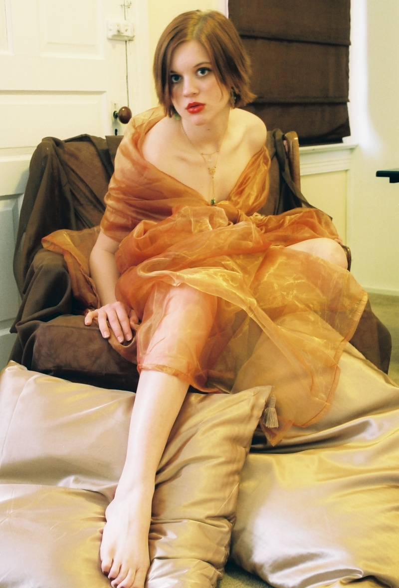 Female model photo shoot of Barbeve