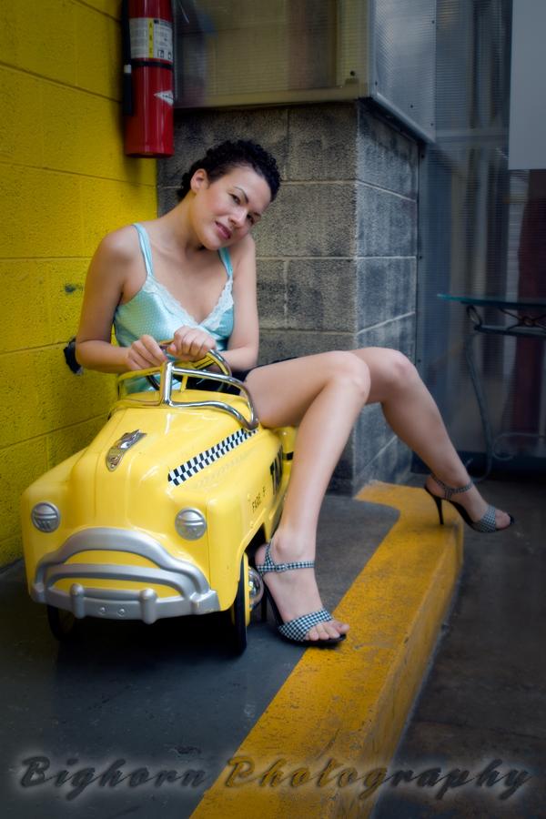 http://photos.modelmayhem.com/photos/090911/18/4aaaf815a06ea.jpg