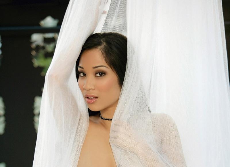 Sep 14, 2009 Photography - Kim Mizuno; Hair & Make-Up: Katie B. Cosmetics www.AndreadelPuerto.com