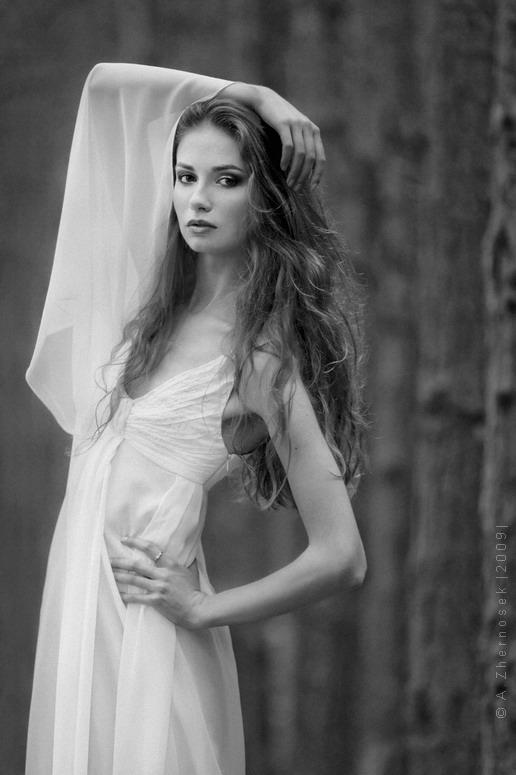 Female model photo shoot of Anna Kabanova