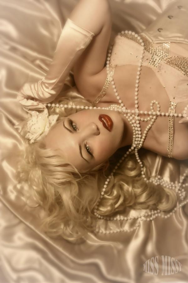 Sep 17, 2009 Jolee Blon MUAH Blondie DaBella