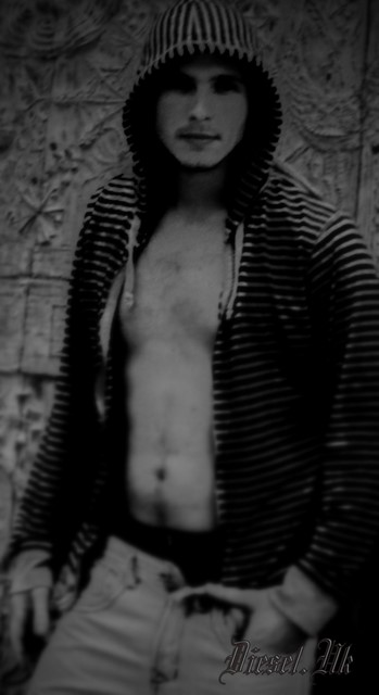 Male model photo shoot of Shmike