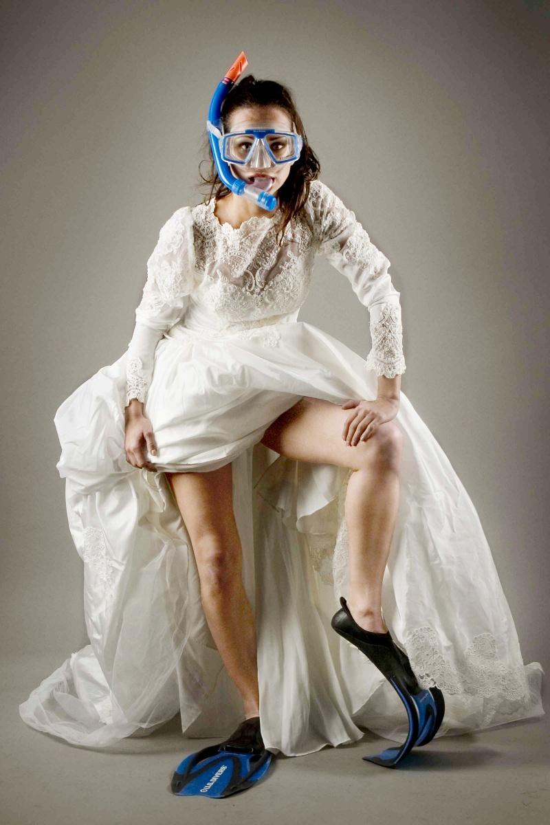 Costa Mesa, CA Sep 25, 2009 Wayne M. Cutler Runaway Bride (Model: Natali not on MM)