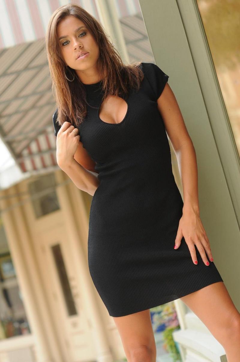 https://photos.modelmayhem.com/photos/090925/19/4abd77f20e2fe.jpg