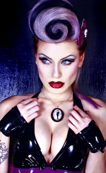 Sep 26, 2009 Vampyra Necklace, Model: Jessica LaBlanche, Photo: David DOnt
