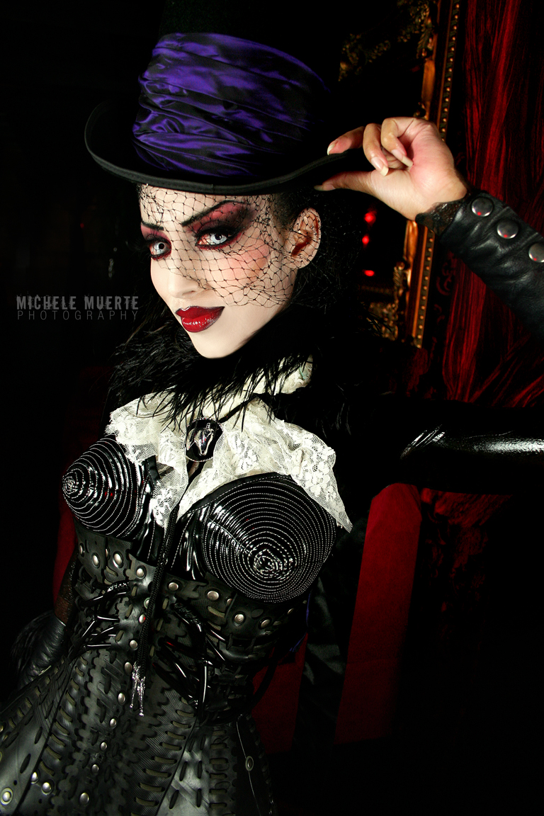 Bar Sinister, Hollywood  Sep 27, 2009 Michele Muerte Photography 2009 The Ghostly Equestrian