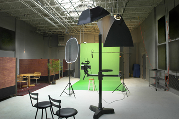 Evanston, IL Sep 29, 2009 ©2009 Picman Chicago My Studio set up for Green Screen.
