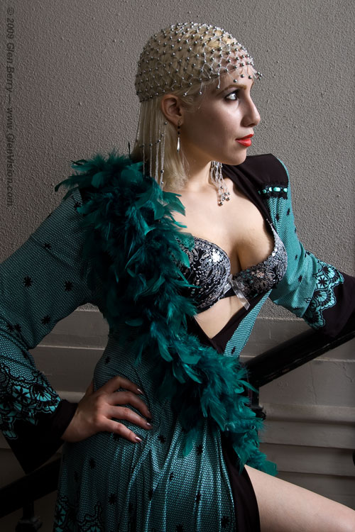 Hotel Leland -- Detroit, MI Sep 29, 2009 Copyright 2009, Glen Berry, all rights reserved. Lovely Selina, in Teal