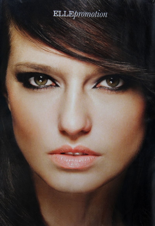 London Oct 03, 2009 Elle magazine Elle magazine make-up feature