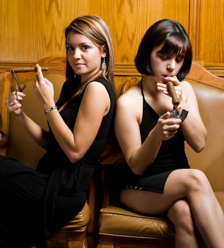 NYC Oct 03, 2009 Cigar Girls
