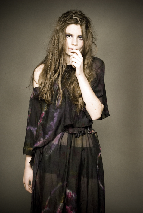 Female model photo shoot of Michelle Mason Makeup in Jul21 2009