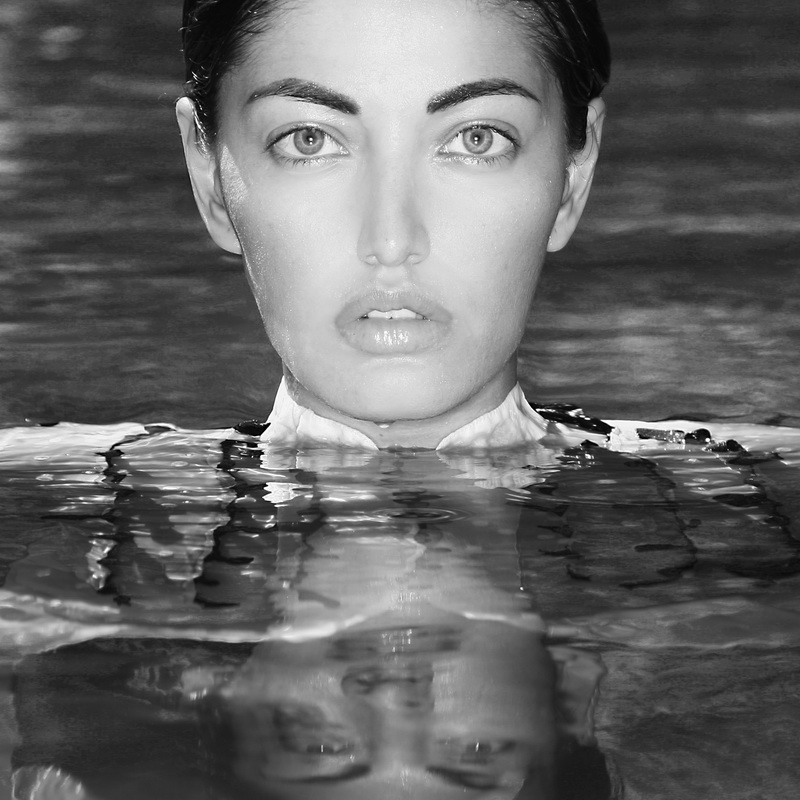 www.themountainmermaid.com Oct 06, 2009 phillip ritchie  shot in the pool at Mountain Mermaid   CA for the  \September\Fashion shoot,,