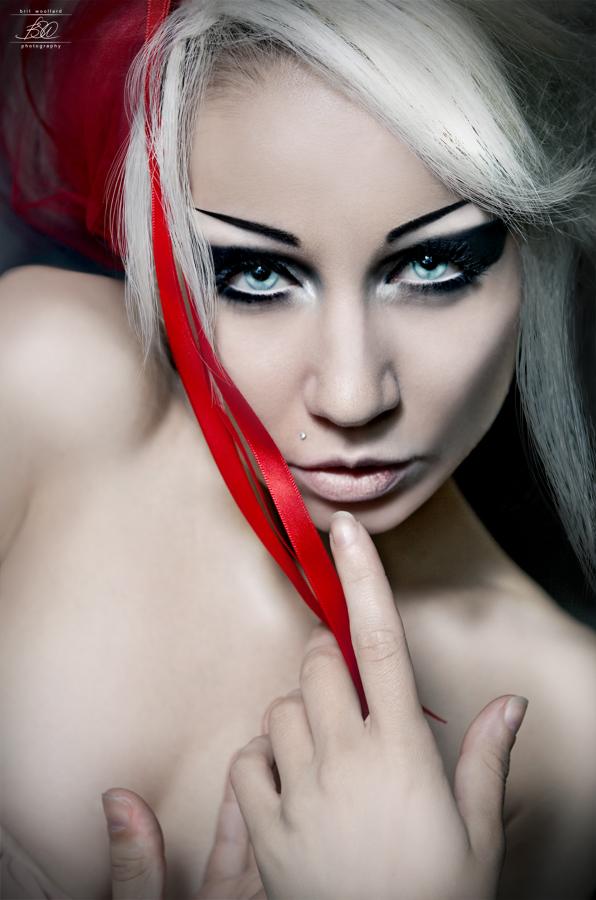 Oct 07, 2009 Brit Woollard Photography Feral & Feline, animalistic tendencies MUA/Hair/Wardrobe: Model