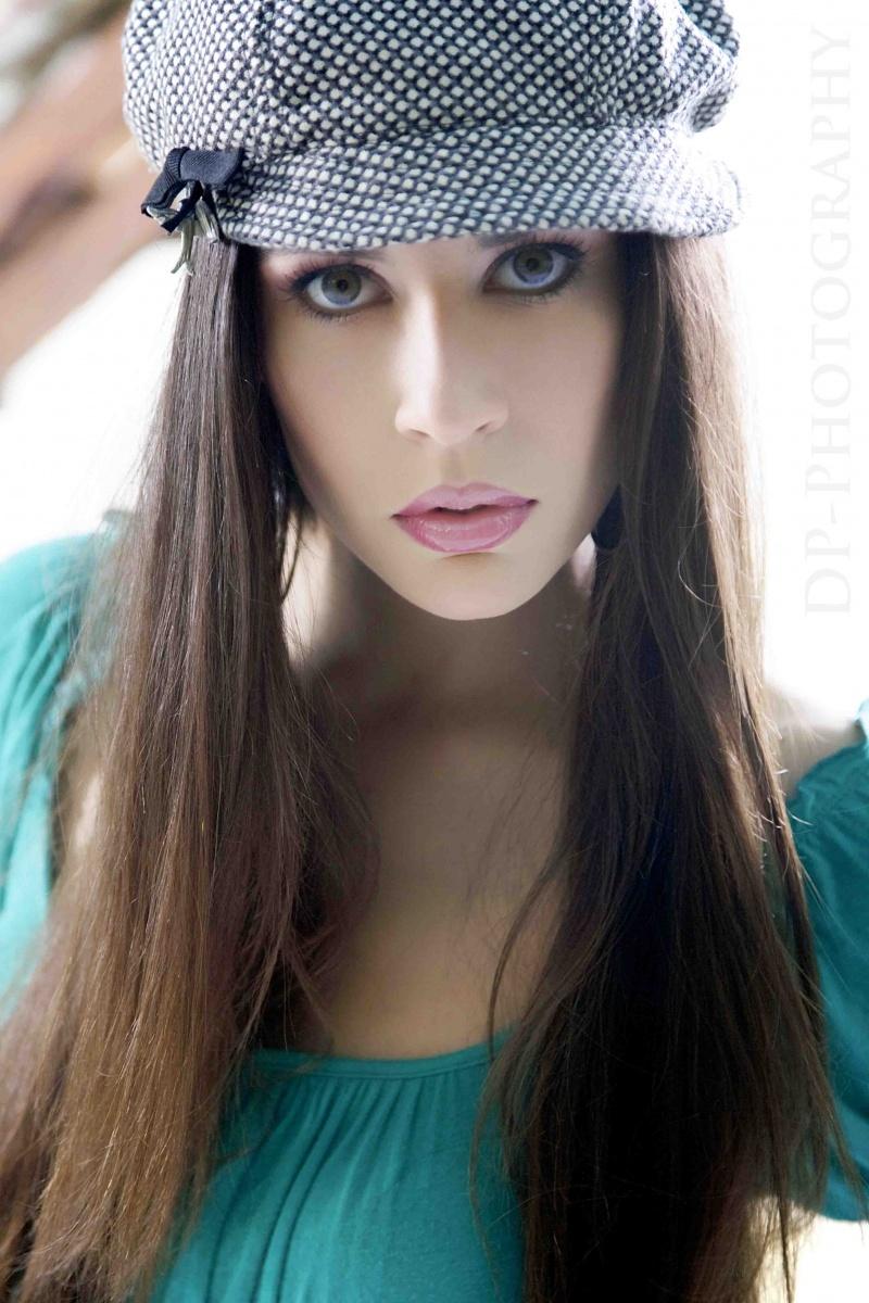 Female model photo shoot of Elisabetta Notte