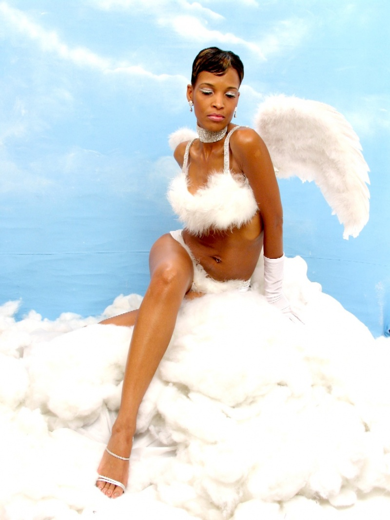 Female model photo shoot of Marla D in Oakland, Ca.