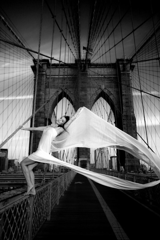 Brooklyn Bridge, NY Oct 14, 2009 Copyright 2009 Darryl Nitke - All rights reserved Angel on the Brooklyn Bridge-Gallery print
