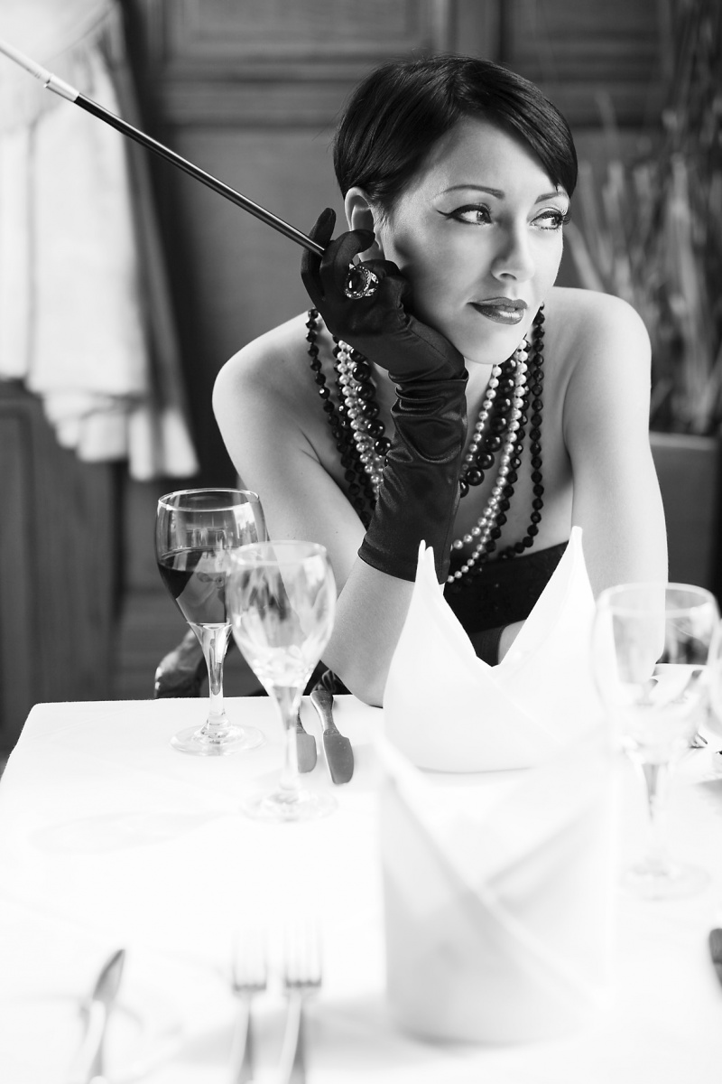 Audrey Hepburn inspired shoot....Sheffield Oct 16, 2009 mdsiggers thinking..........