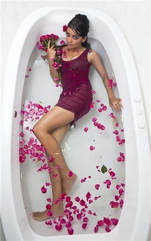 Oct 18, 2009 Bathe me with rose petals