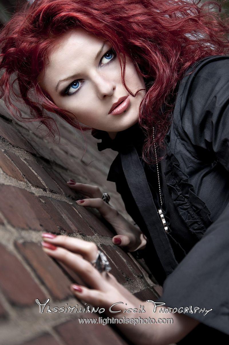Male model photo shoot of lightnoisephoto in Cologne