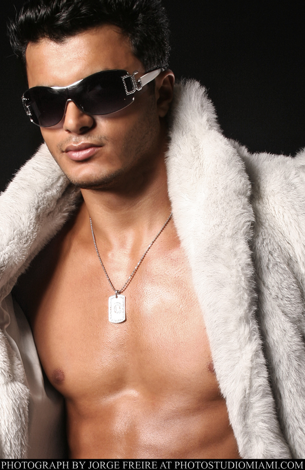 Male model photo shoot of Jorge Freire PSM and M-A-L-E-K in The Studio