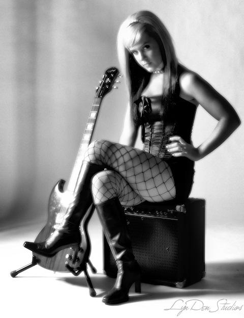 Female model photo shoot of KenziElaine