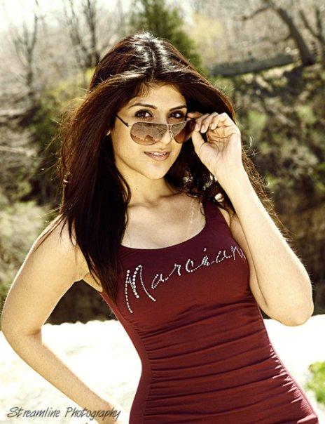 Female model photo shoot of Alyshah-Jasmin in Hamilton ON