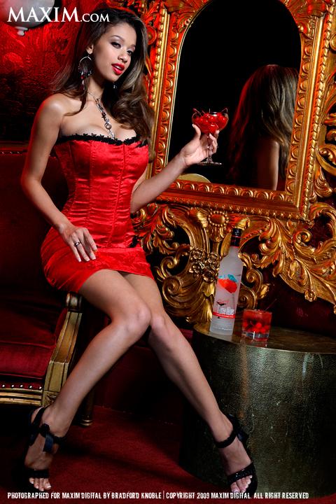 Female model photo shoot of Lais De Leon