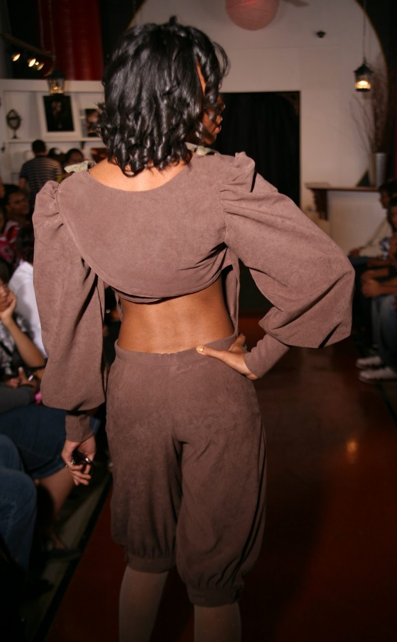 Atlanta, GA  Oct 26, 2009 No Duplication  Back Of Vintage Two-Piece (Women-Hollywood)