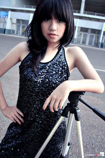 Female model photo shoot of Miranda Arman