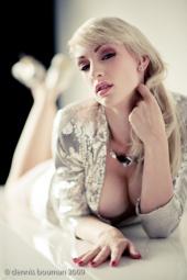 Sofia Valentine Model