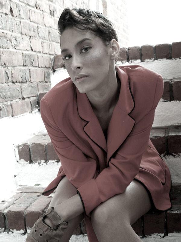 Oct 28, 2009 http://www.facebook.com/lindsey makuwatsine