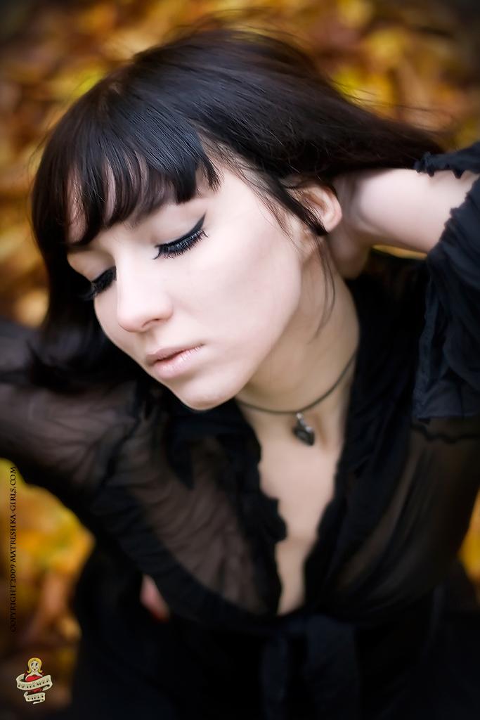 Female model photo shoot of Dentelle
