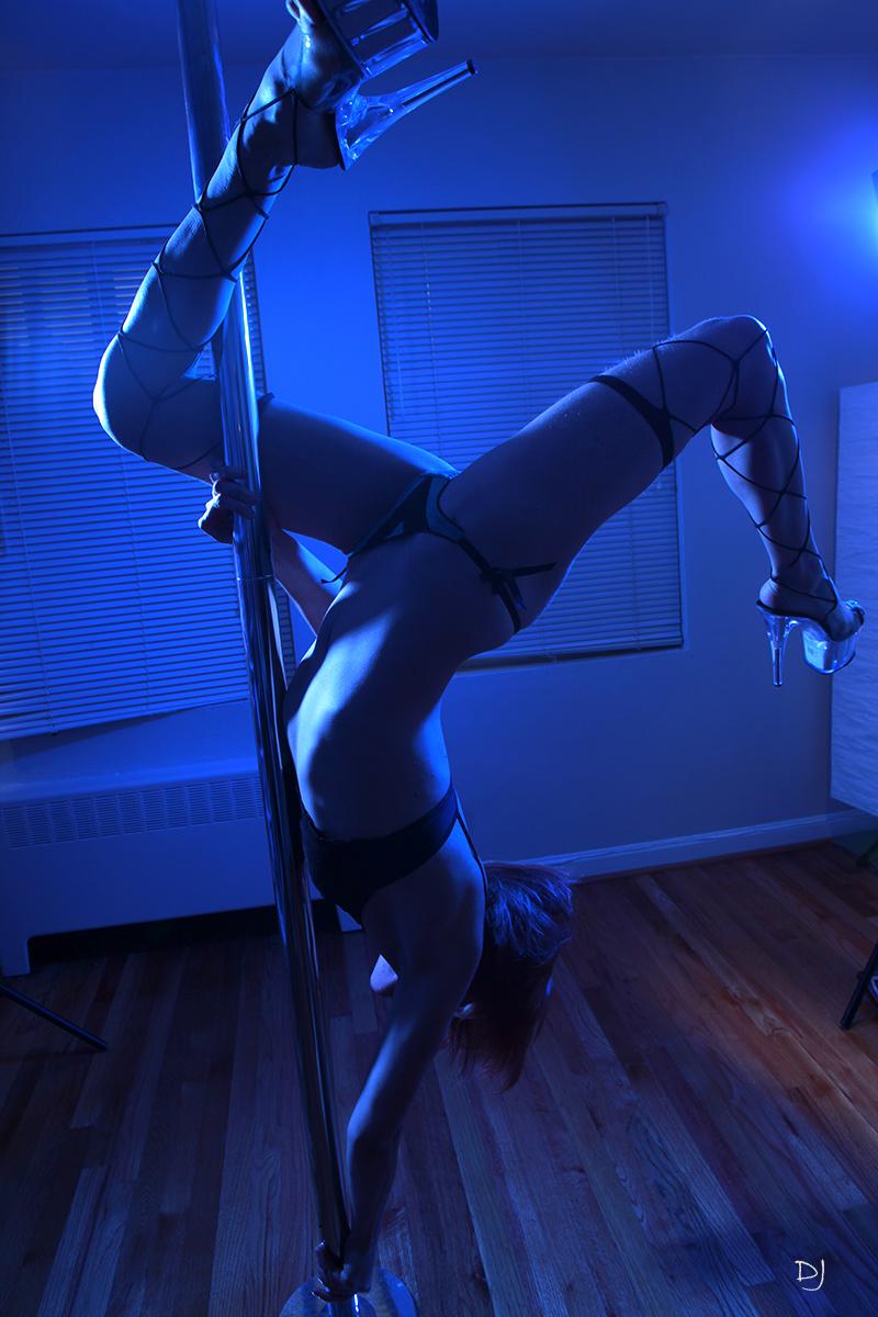 Portland, OR Nov 03, 2009 Im a skilled pole dancer!