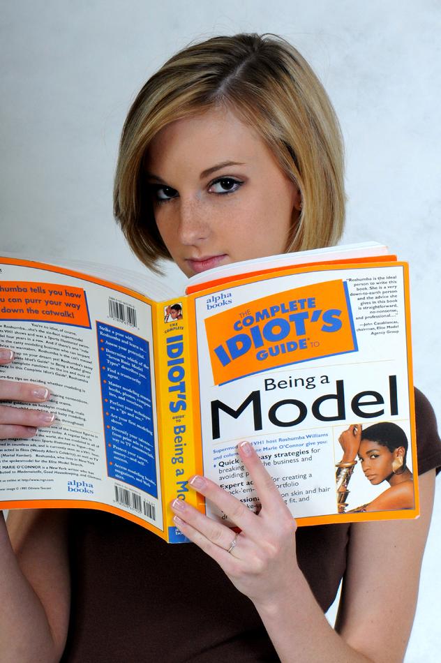 http://photos.modelmayhem.com/photos/091103/19/4af0f4671ebe1.jpg