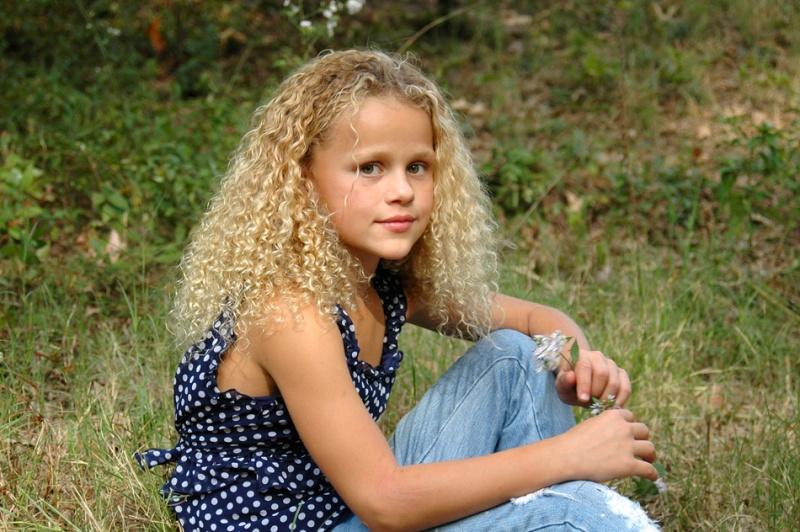 http://photos.modelmayhem.com/photos/091103/19/4af0f607bdaf2.jpg