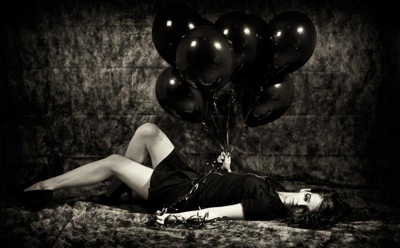 Studio Nov 04, 2009 Sonja Gee / Shawn Feile Dark Baloons