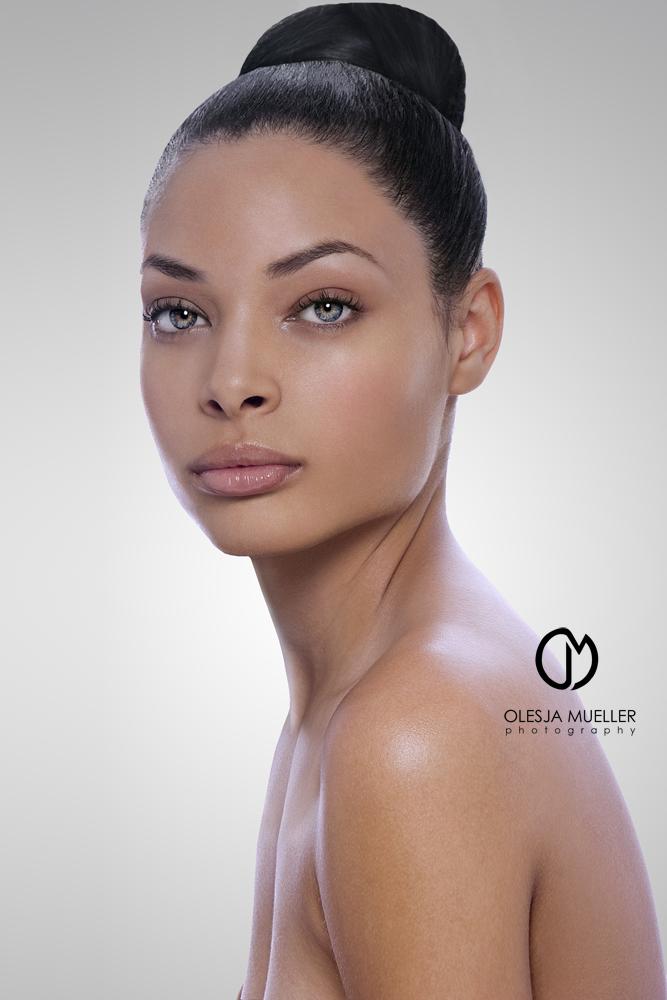 my LA studio Nov 06, 2009 Olesja Mueller Photography Lauren @ LA Models, makeup - Gabriel Muro, hair - Ramiro