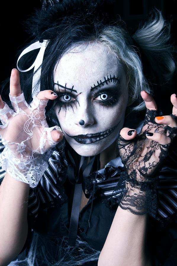 Nov 06, 2009 Chaz Carlson Photo Ghoul Goddess