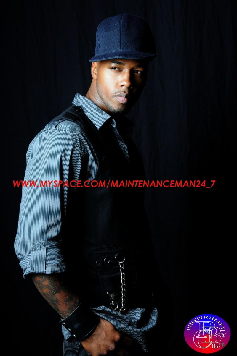 PHOTOG: CHACE Nov 18, 2009 MAINTENANCE MAN ENTERPRISES TAKE A LOOK...