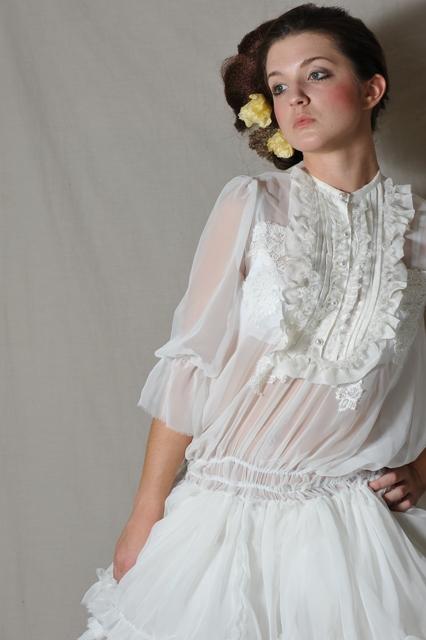http://photos.modelmayhem.com/photos/091125/03/4b0d1794a1cc4.jpg
