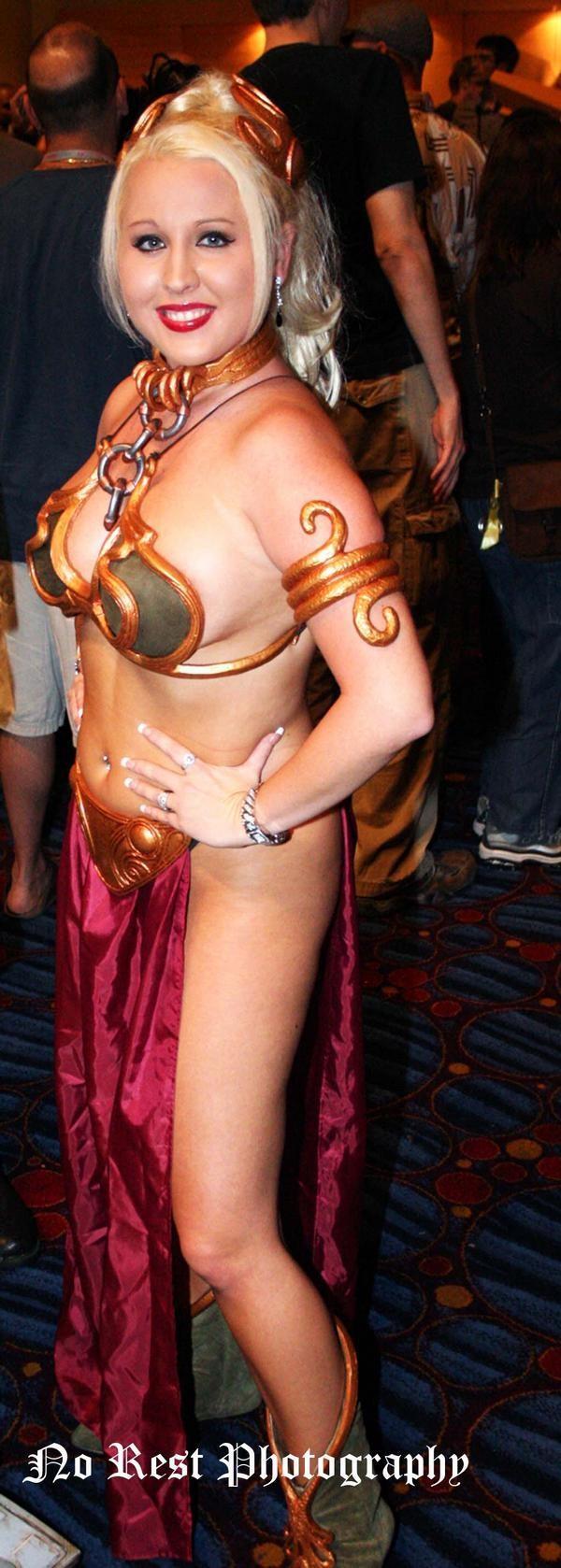 Dragon Con 2009 Atlanta, GA Nov 25, 2009 No Rest Photography Me as Slave Leia