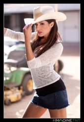 https://photos.modelmayhem.com/photos/091126/11/4b0ed37105fef_m.jpg