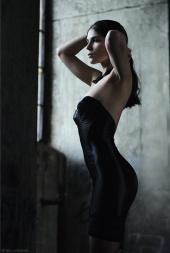 http://photos.modelmayhem.com/photos/091130/21/4b14aca7443f7_m.jpg