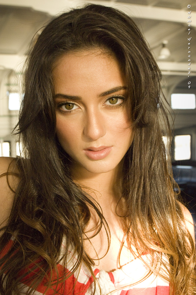Dec 03, 2009 Numael Hernandez 09 Isabella Rivera / Ford Models
